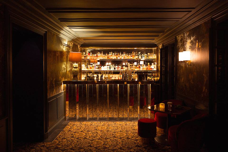 Menor hotel de Paris discreto e elegante