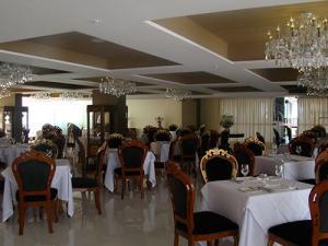 Foto de ambiente interno do restaurante La Brasserie de La Mer