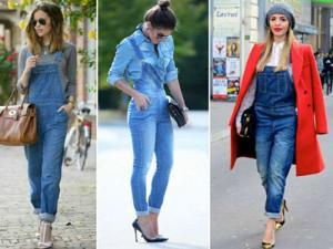 Mulheres com roupas em alusão a anos 80 e 90