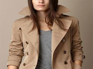 Mulher com jaqueta