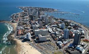 Imagem aérea da cidade de Punta del Este