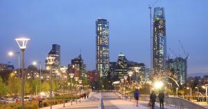 Imagem noturna de Santiago do Chile