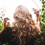 Como ter lindos cabelos ondulados